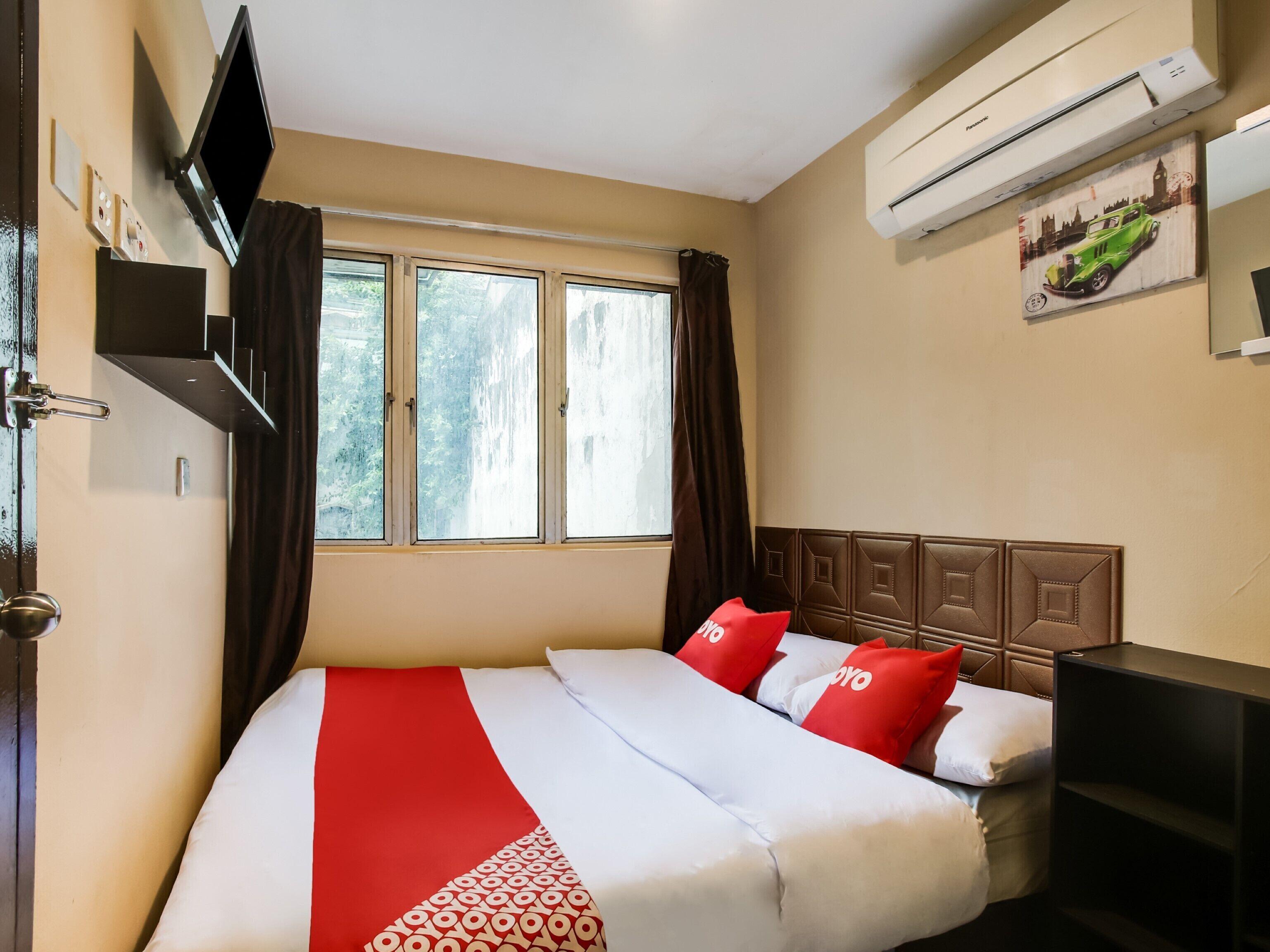 Oyo 43927 Sassana Hotel