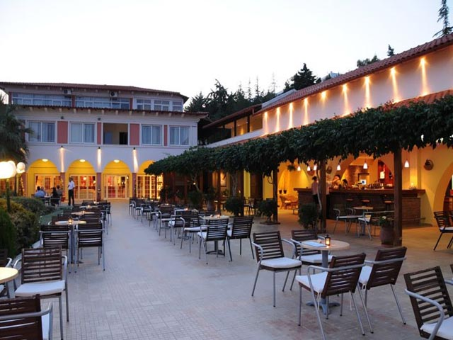 Alexandros Palace Hotel & Suites