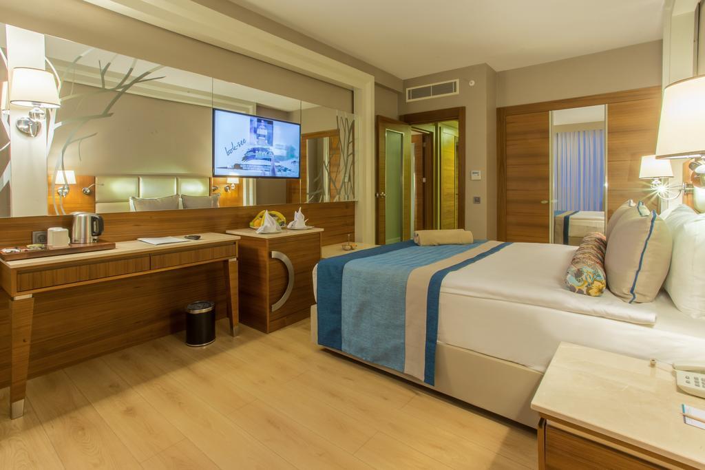 SENSITIVE PREMIUM RESORT &SPA HOTEL