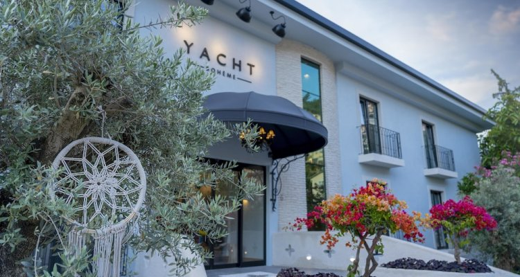 Yacht Bohème Hotel-Adults Only