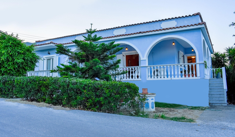 Vicky's Village House