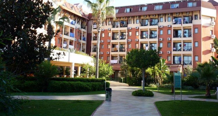 Club Insula Hotel