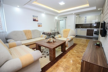 Darni Apartment
