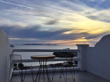 Villa Elina Suites And More