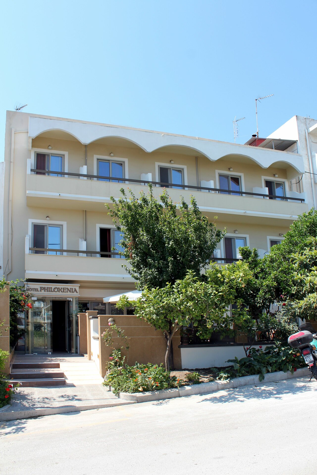 Philoxenia Hotel And Studios