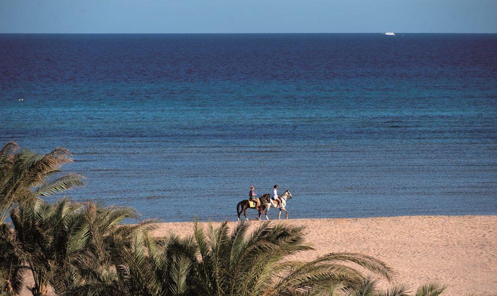 Amwaj Blue Beach & Spa