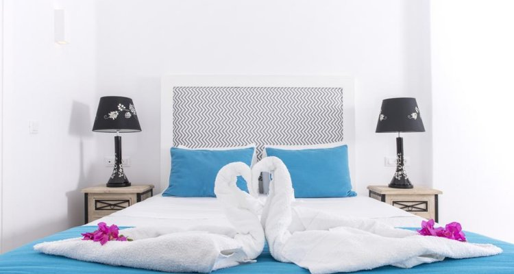 Blue Waves Hotel