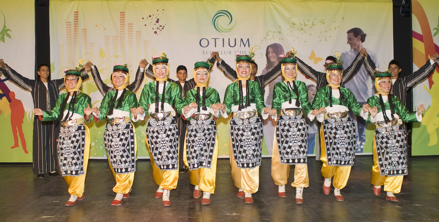 OTIUM FAMILY ECO CLUB SIDE