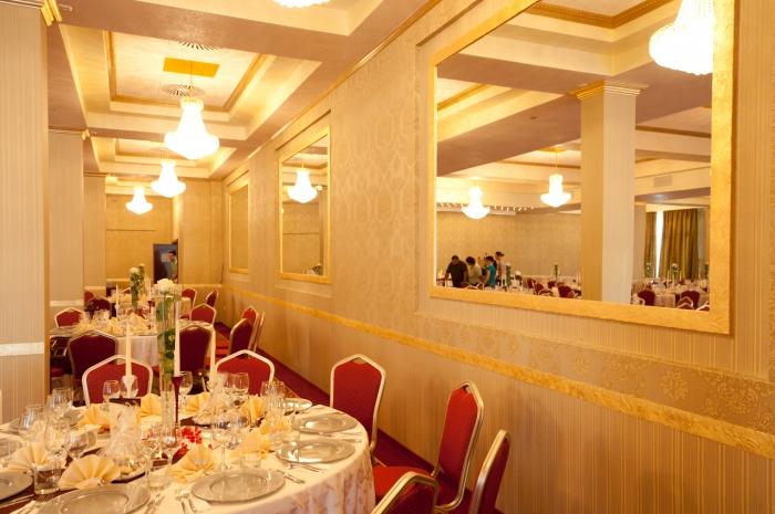 Sejur cu mic dejun - Hotel Romanita