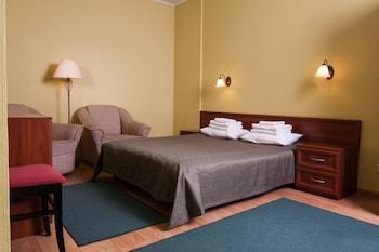 Mini-hotel on Elektrotechnichnaya Street 18