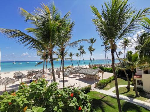 Truecost Caribbean Paradise Rooftop Pool