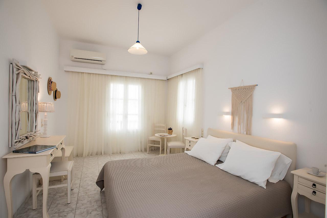 CHARISSI HOTEL