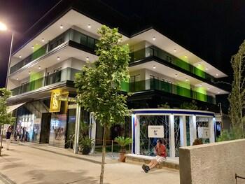 Riva Mamaia Aparthotel