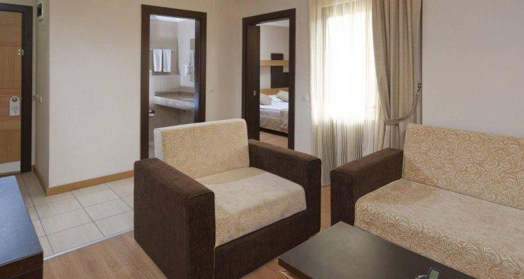 Kandelor Hotel