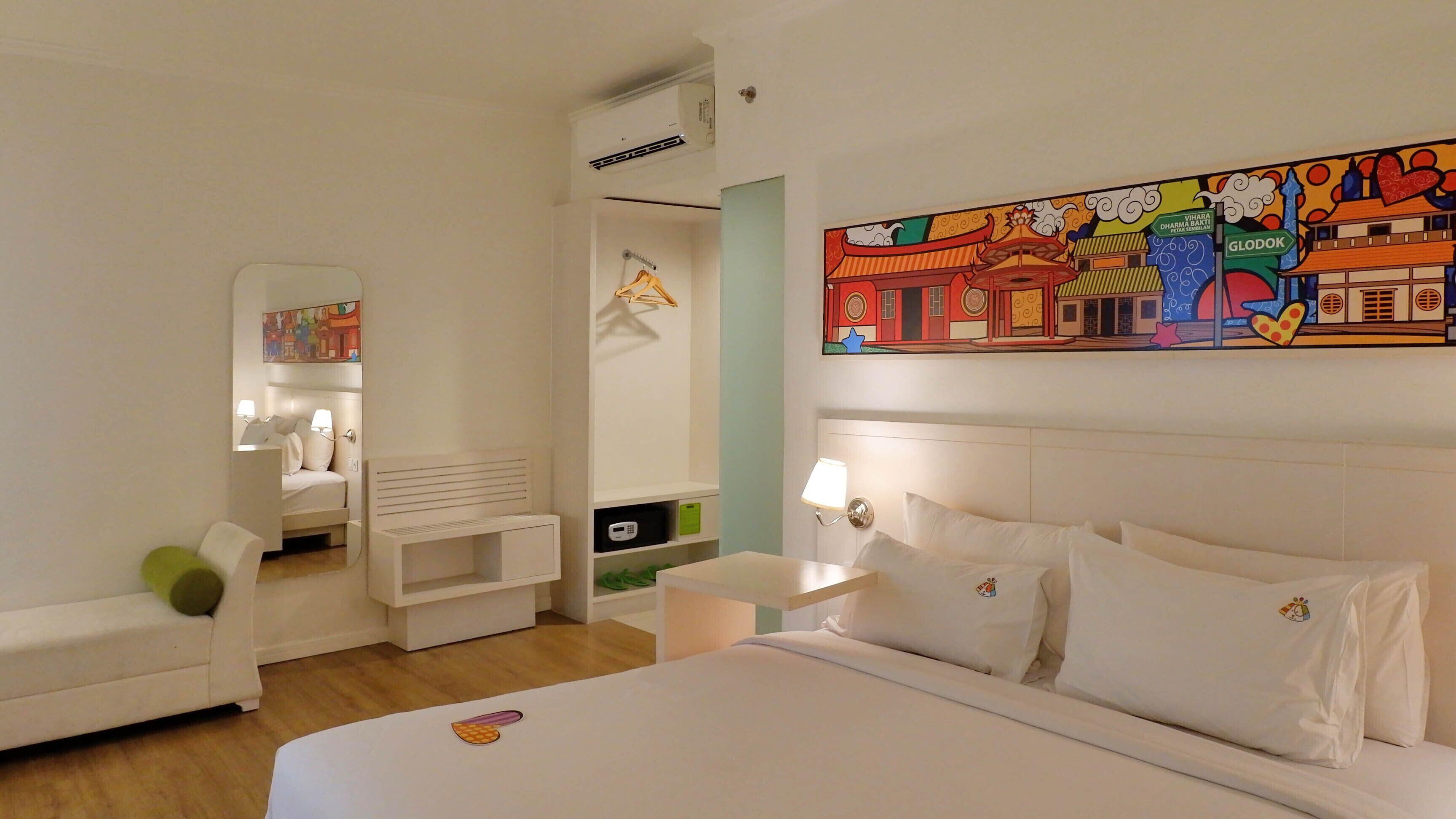Maxonehotels.com At Glodok