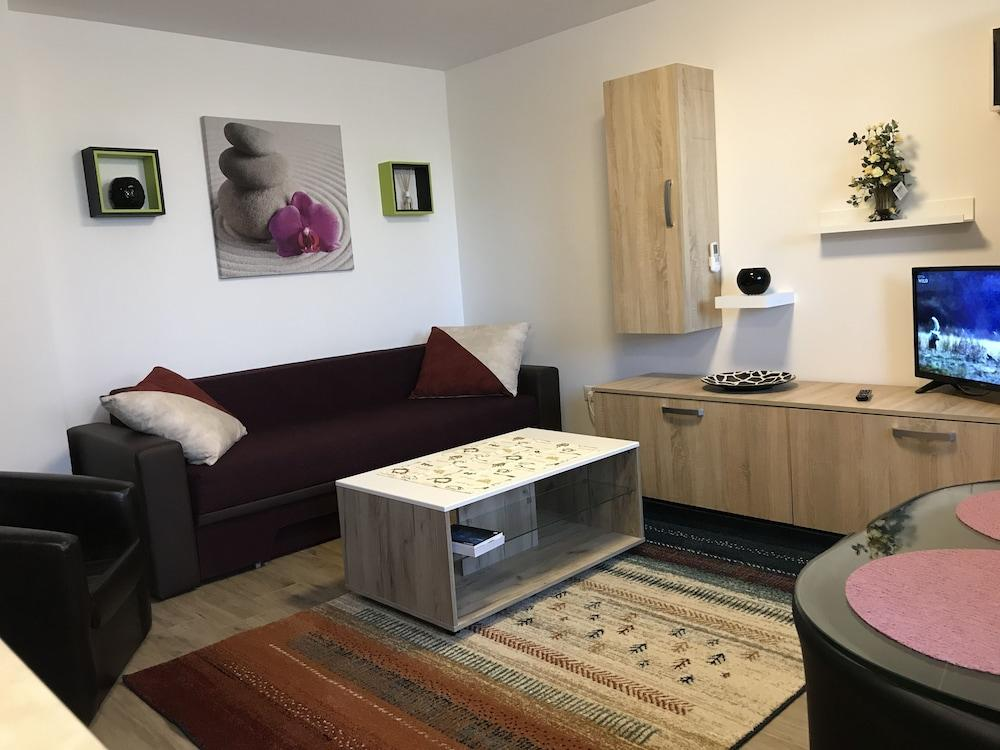 Two Room Apartment Militari Residence M9