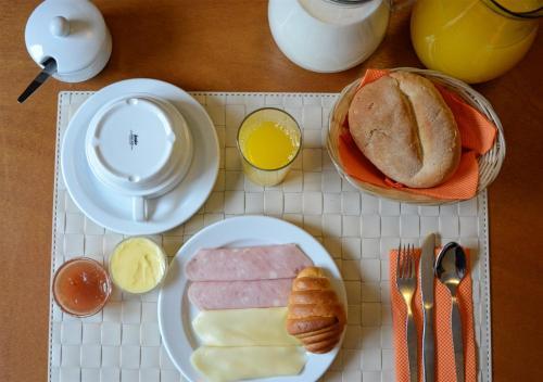 Fado Bed And Breakfast - Santos