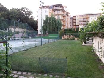 Joya Park Complex