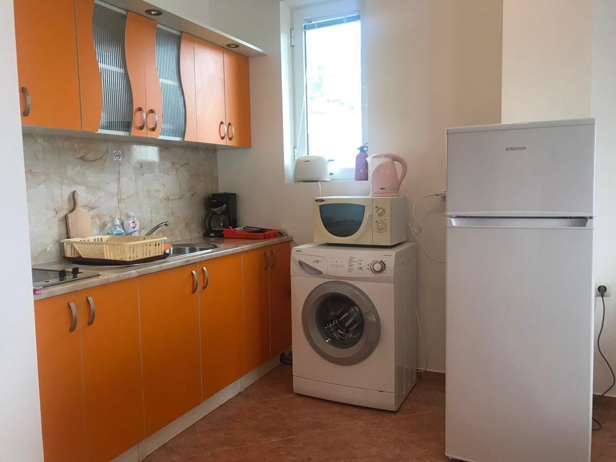 Breeze Nadezhda Apartment
