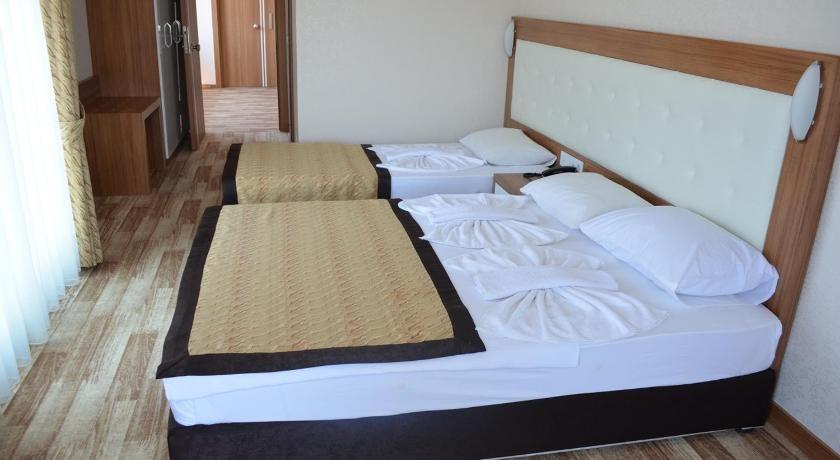 Mitos Apartment & Hotel