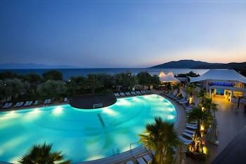 Latanya Beach Resort