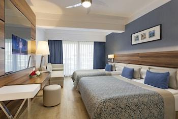 Atlantis De Luxe Hotel & Resort
