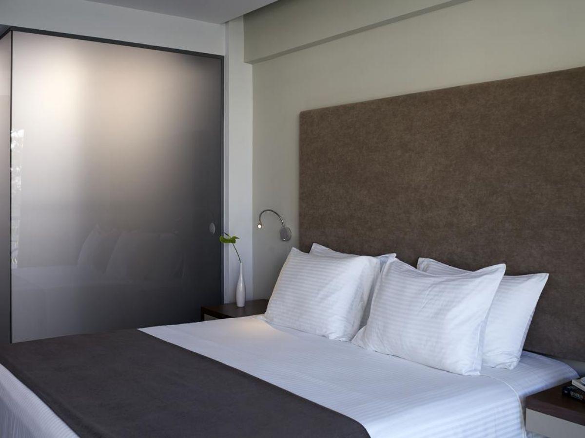 Oktober Downtown Rooms