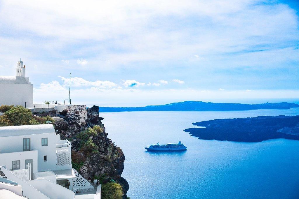 Pearl on the Cliff (Imerovigli - Santorini)