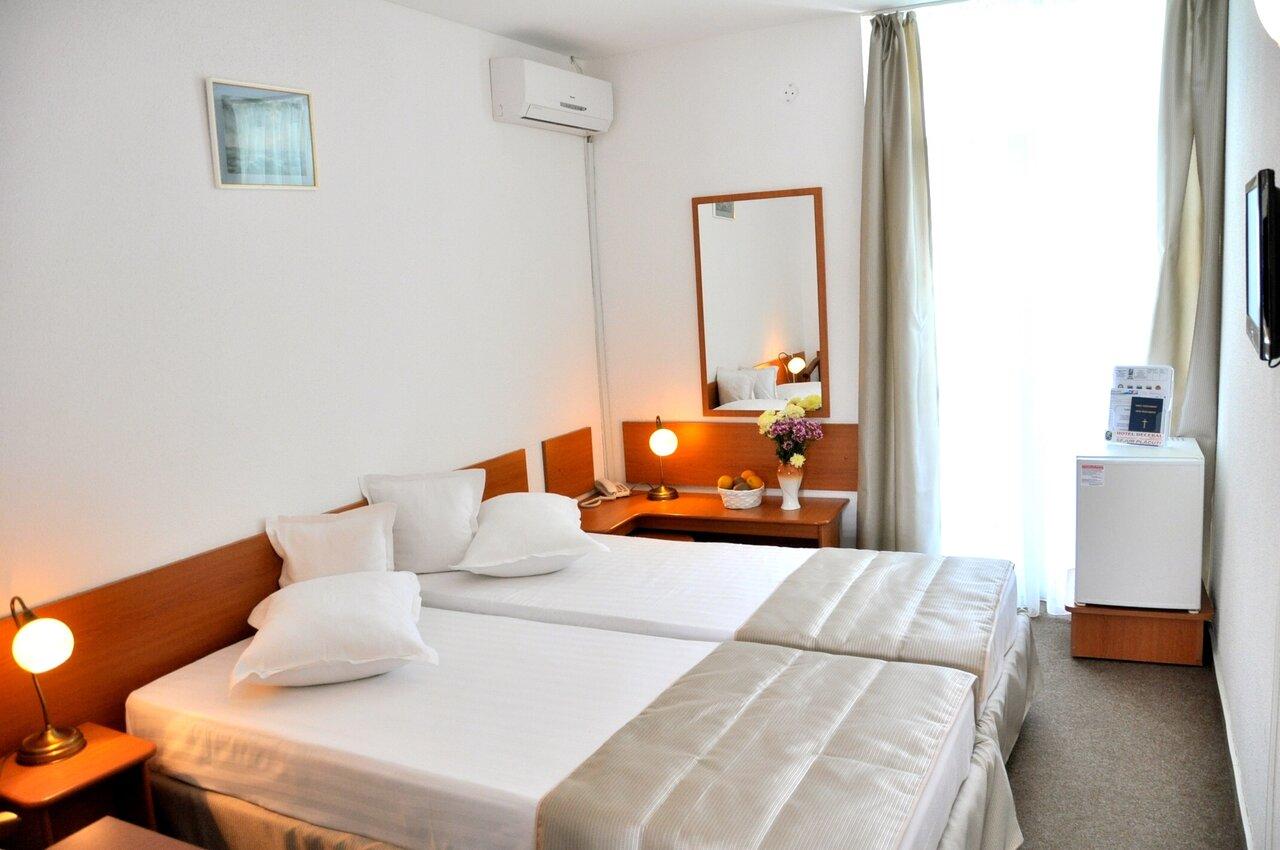 HOTEL DECEBAL ETAJ (SERIE IV) 5 nopti Inscrieri timpurii 30.06.2020 - Cazare