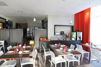 Adonis Paris Sud Apparthotel Le Fontainebleau