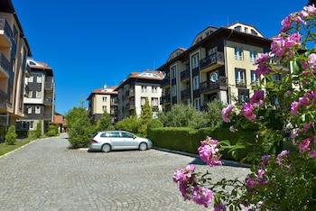 Bojur & Bojurland Apartment Complex