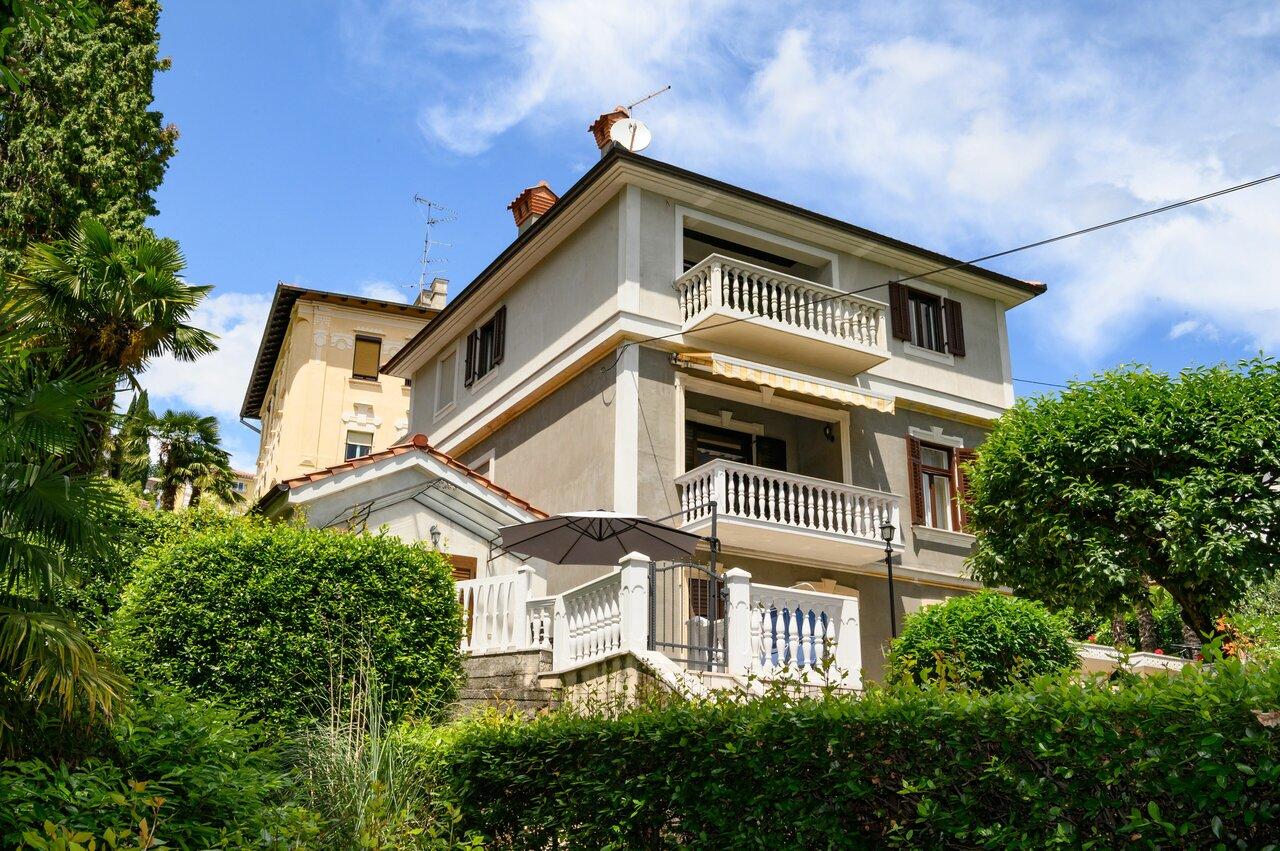Villa Salona