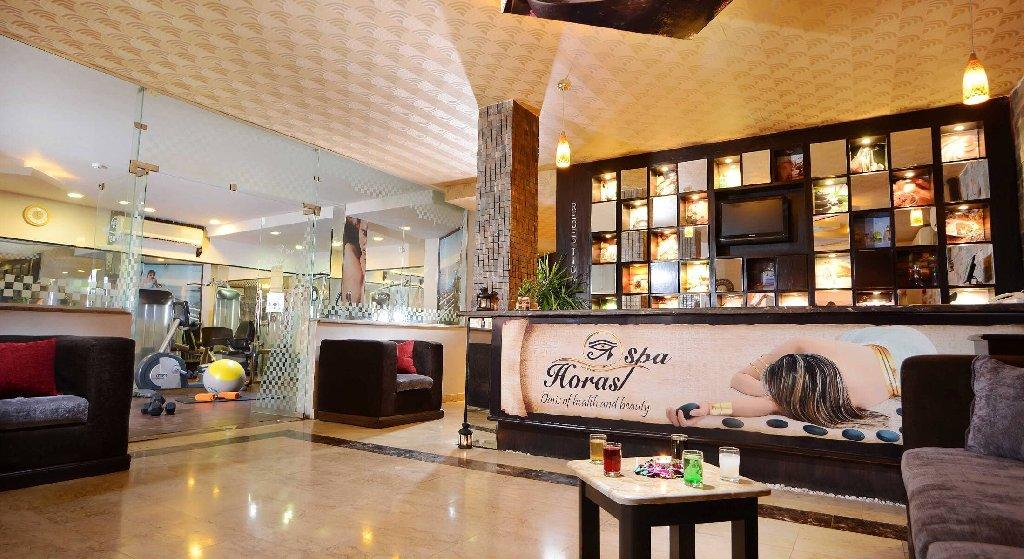 Hotel Alf Leila Wa Leila .