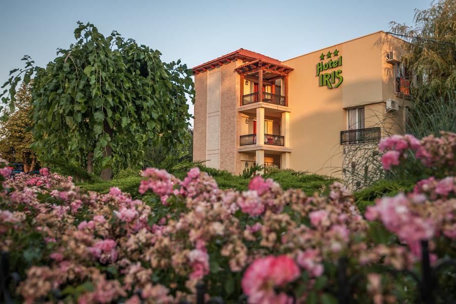 Complex Hotelier Iris Nalba Mimoza