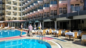 Monte Carlo Hotel - All Inclusive