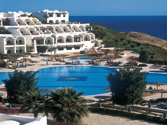 Movenpick Resort 5*, -10%