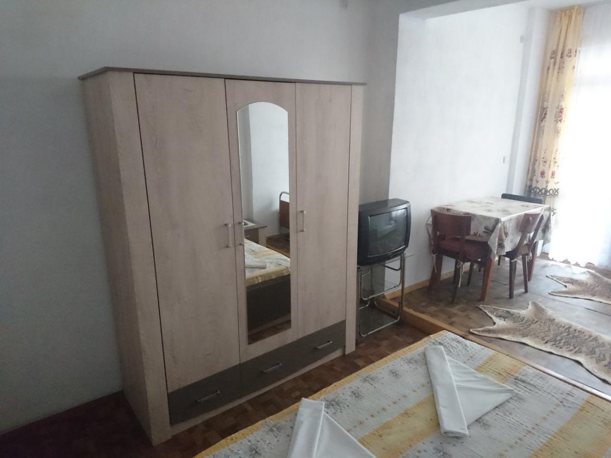House Ogledalovi