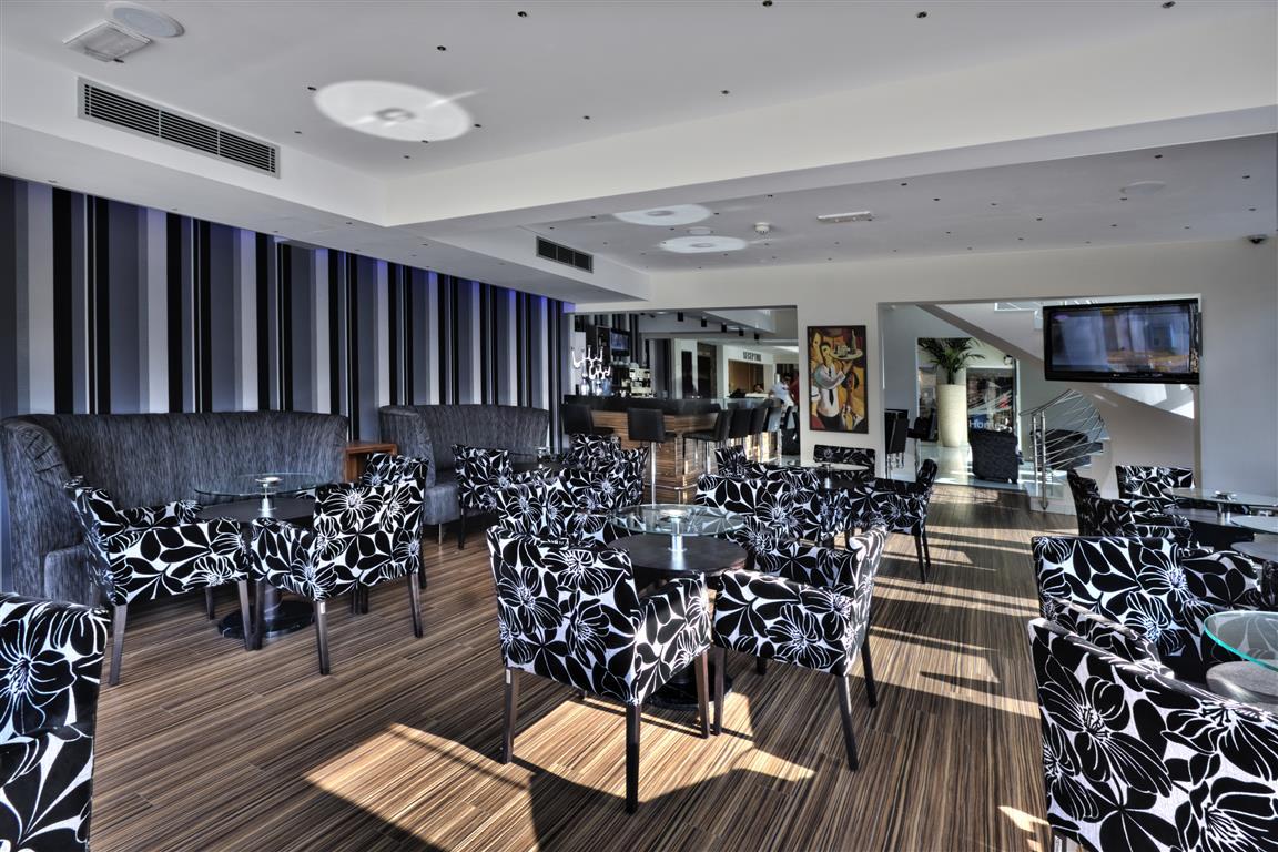 LIVADHIOTIS CITY HOTEL - Paste 2020