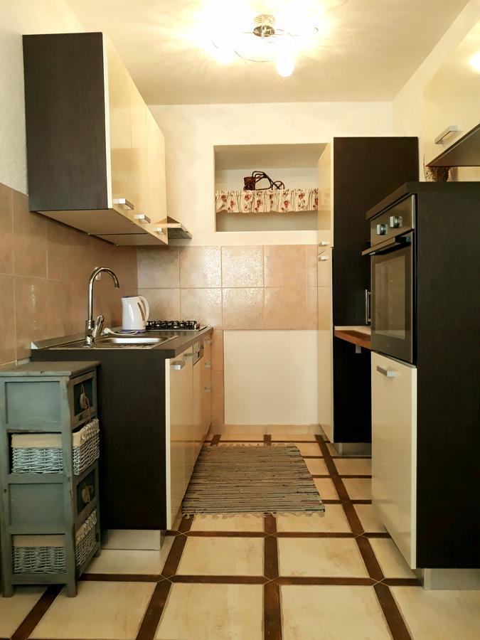 Apartments Vrisak