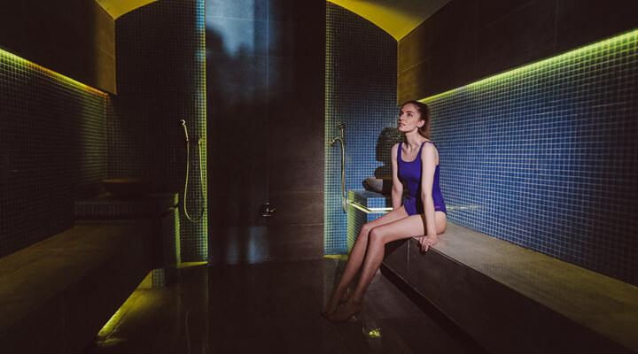1 Decembrie - Hotel Diana