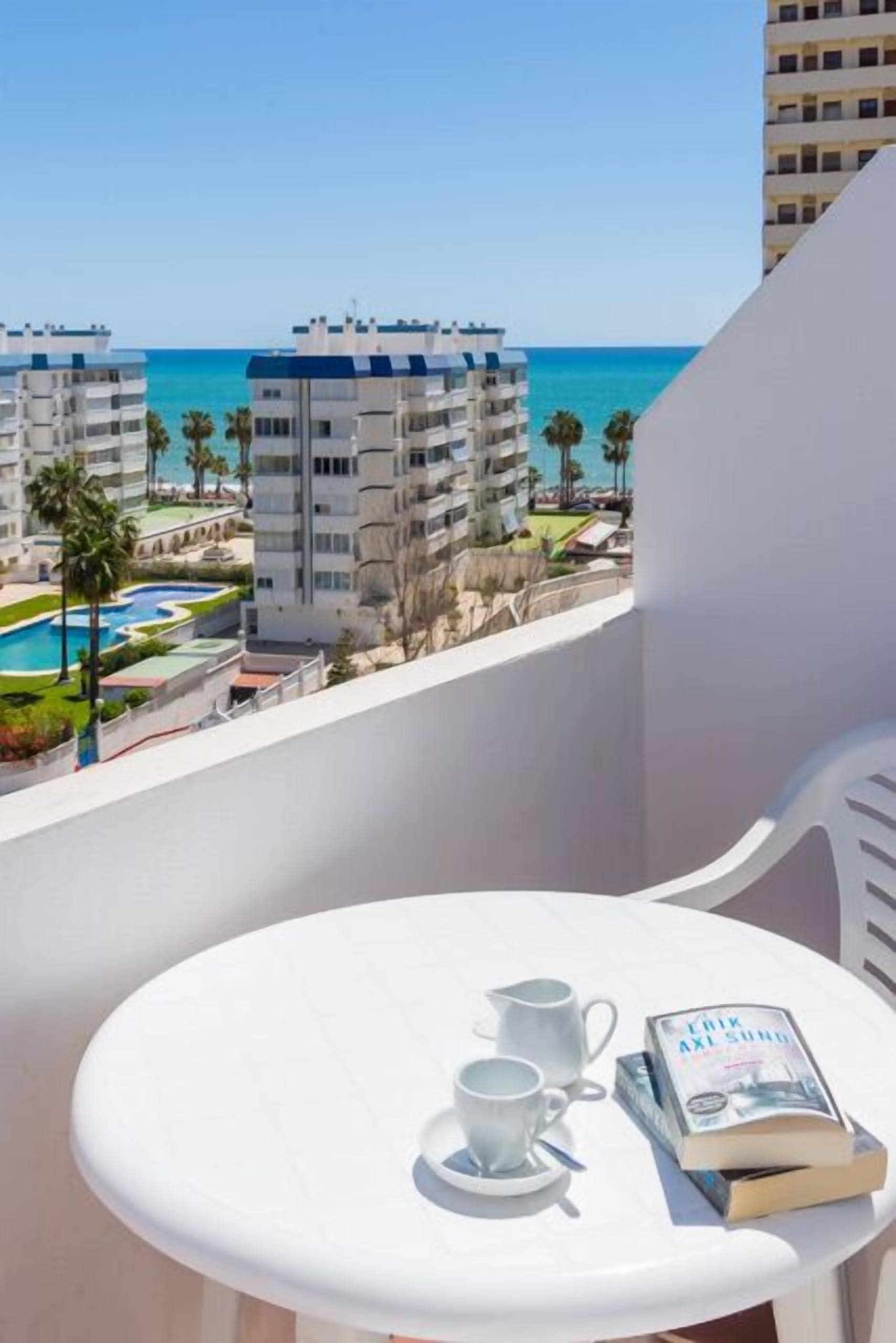 Apartamentos Benalmadena Playa - Good Places