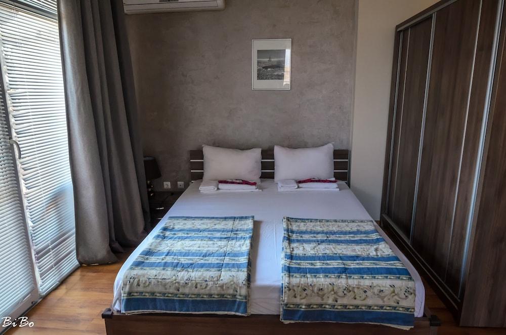 Dom Mladenovi Bed & Breakfast