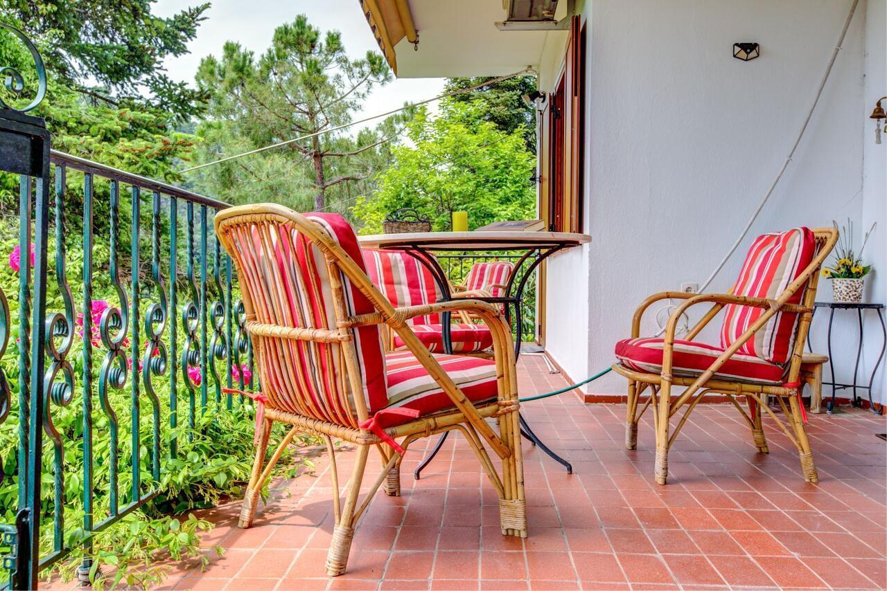 #halu! Elegant Villa With View