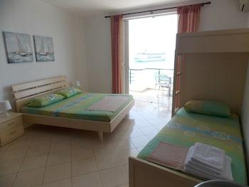 Barracuda Apartments
