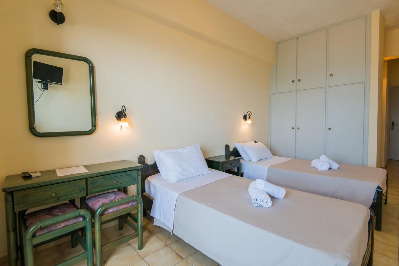 Hotel Birais Beach Studios