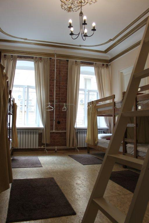 Old Flat Na 1-oj Sovetskoj Guest House