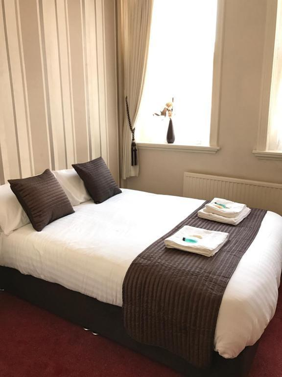 Assheton Arms Hotel