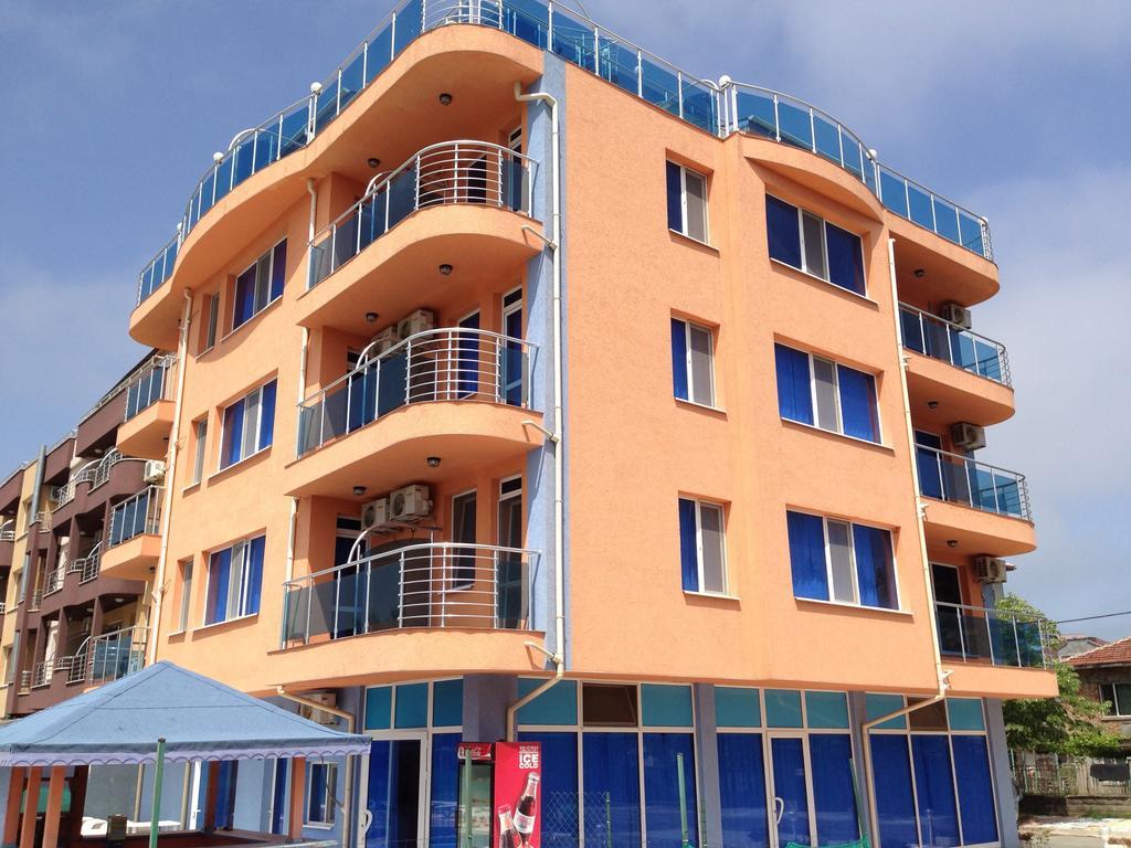 Dara Family hotel (Primorsko) 3*