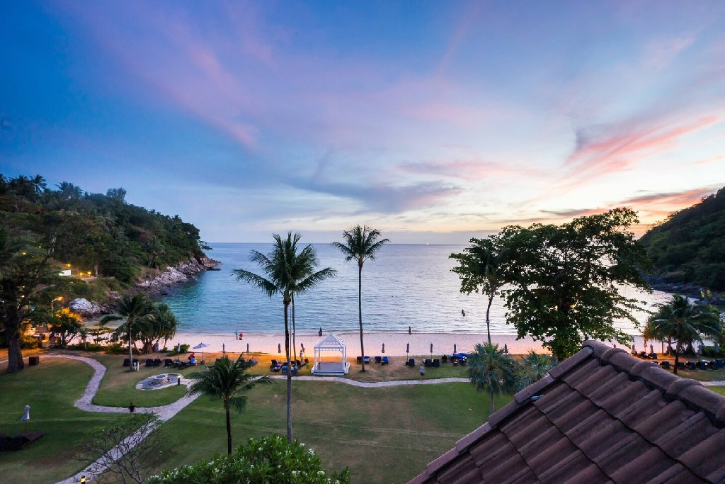 Phuket Marriot Merlin Beach