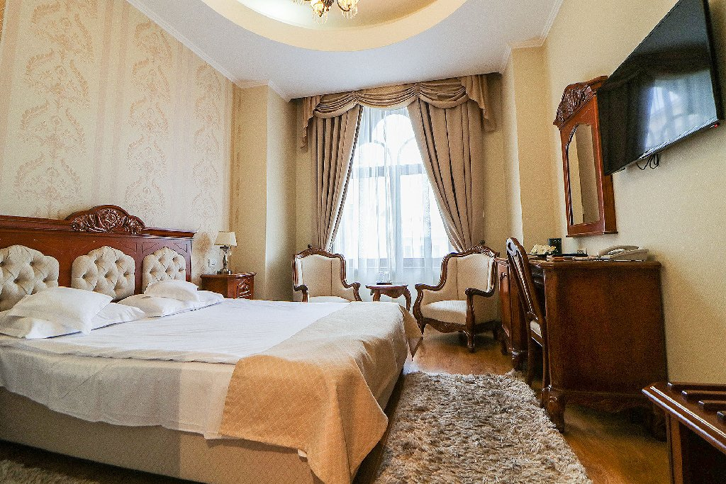 Grand Hotel Astoria (CB)